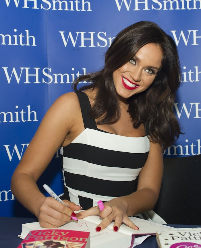 Vicky Pattison In Kurt Geiger And Christian Louboutin Pumps
