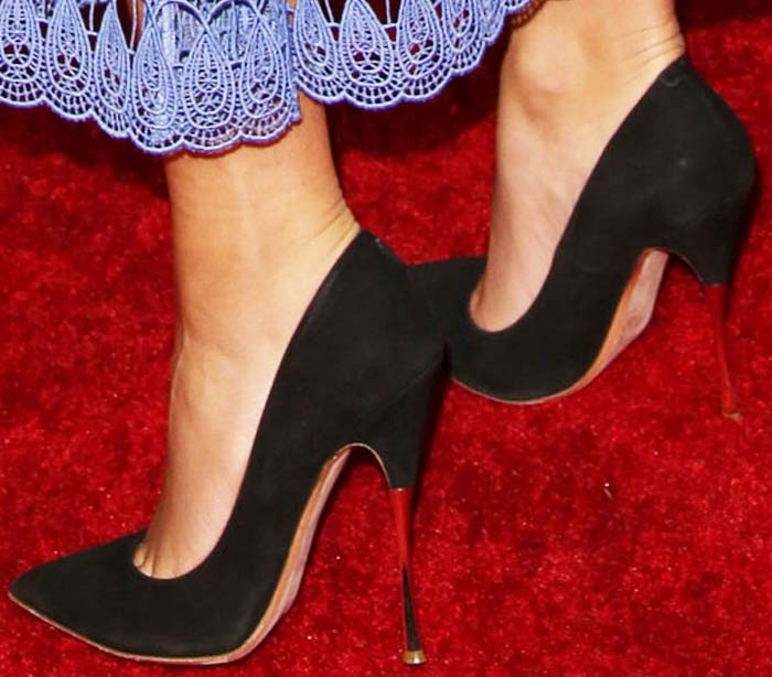 Zendaya's feet in Nicholas Kirkwood pumps