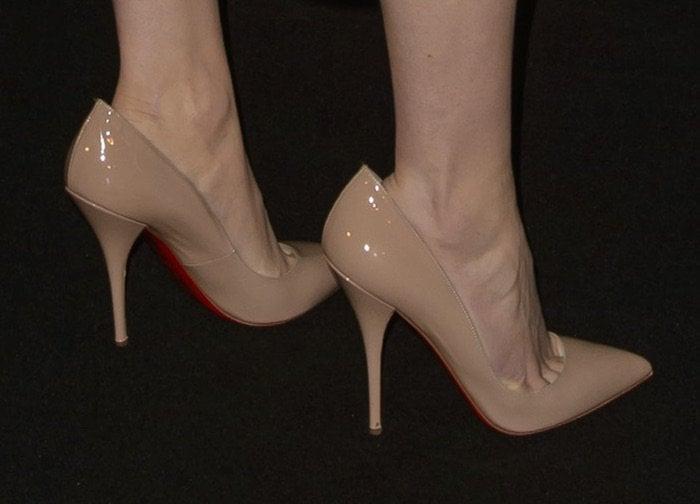 Daisy Ridley's feet in Christian Louboutin pumps