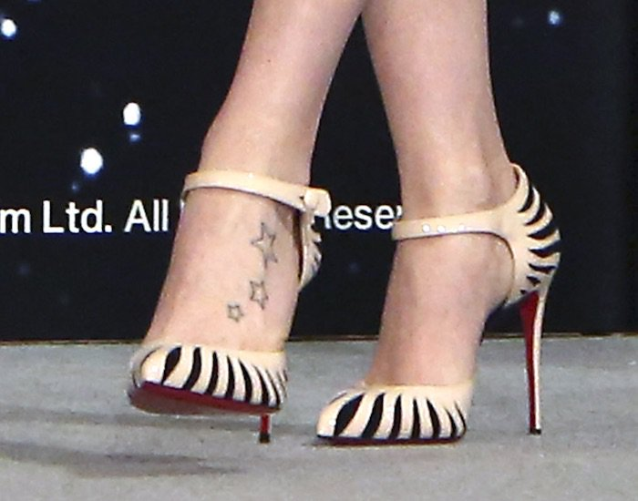Daisy Ridley's hot feet in Last Empress pumps by Christian Louboutin