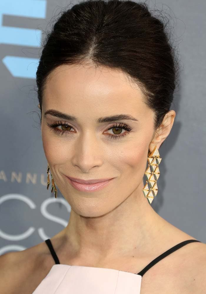 Abigail Spencer wears her hair back at the 21st Critics' Choice Awards