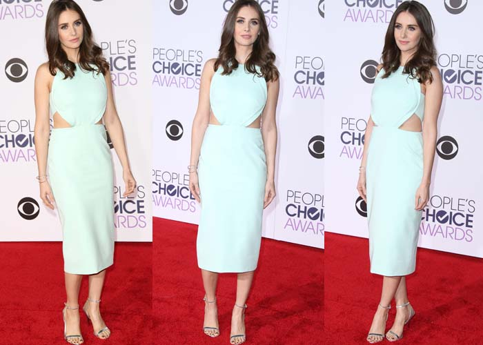 Alison Brie wears a Cushnie et Ochs dress on the red carpet of the People's Choice Awards