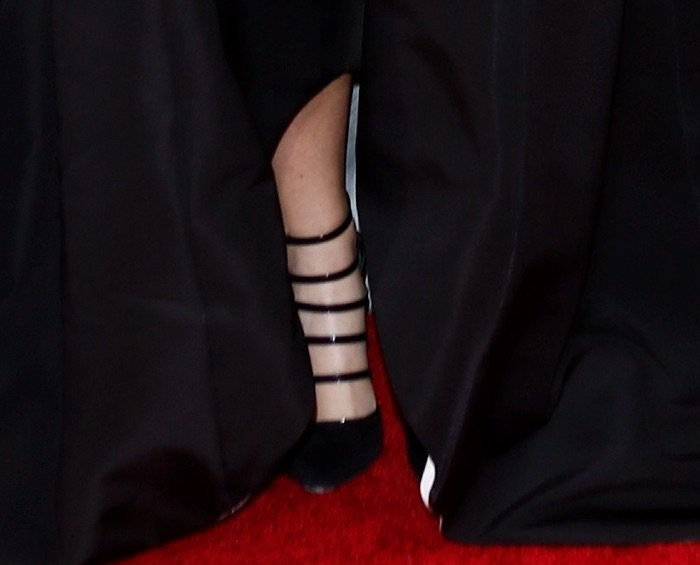 Amy Schumer's feet in strappy Prabal Gurung pumps