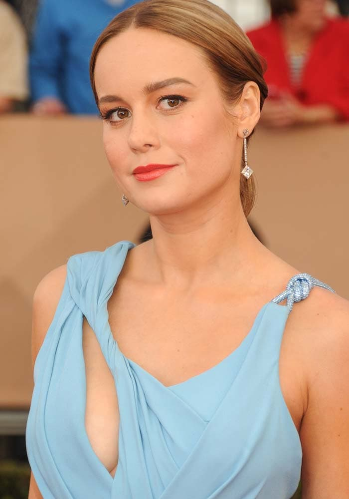 Brie Larson wears her hair back at the 22nd annual Screen Actors Guild Awards