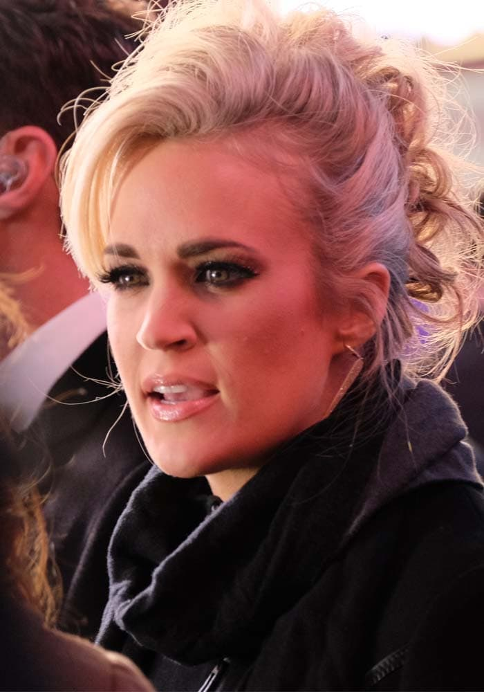 """Carrie Underwood wears her hair up at the """"Dick Clark's New Year's Rockin' Eve"""" celebration"""