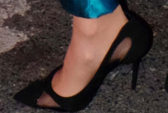Carrie Underwood's feet in Giuseppe Zanotti pumps