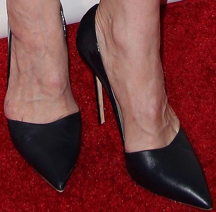 Cate Blanchett's feet in pointed-toe Giuseppe Zanotti pumps
