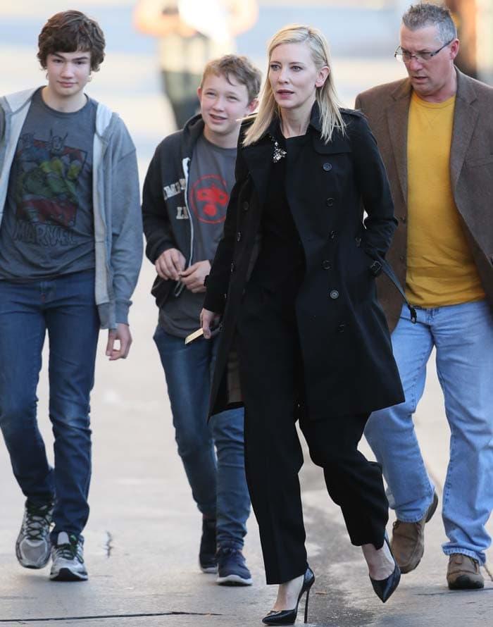 Cate Blanchett Jimmy Kimmel Casadei 4