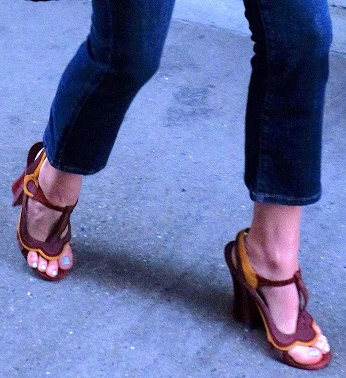 Chloe Grace Moretz displays her toes in high heels