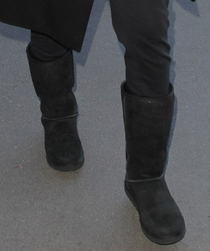 9196c55d2a1 How to Wear Tall UGG Boots With Black Pants Like Ciara