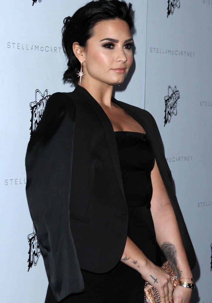 Demi Lovato dressed up her gloomy theme with jewelry from Loree Rodkin