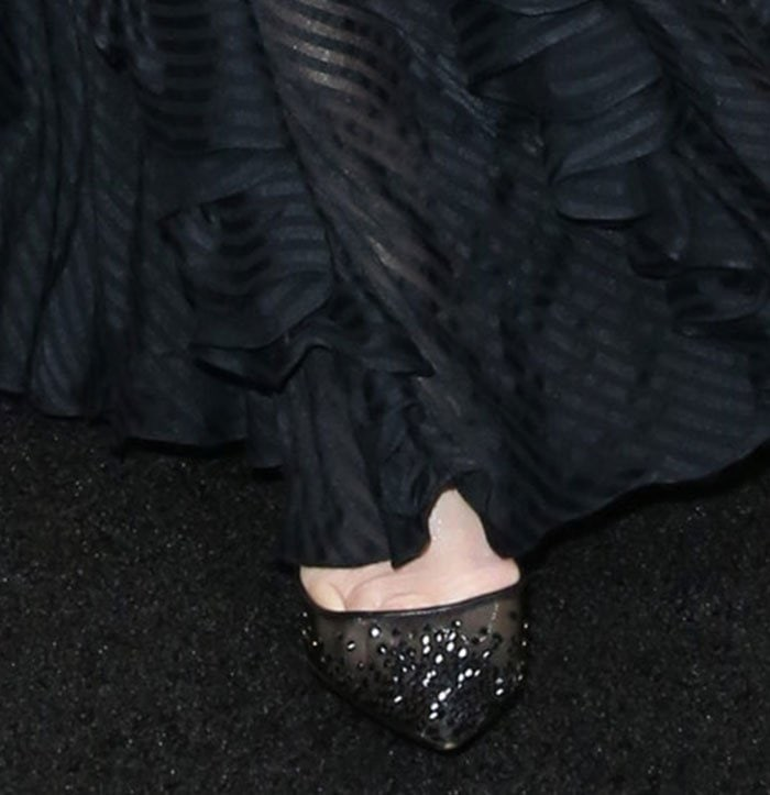 Demi-Moore-Christian-Louboutin-Body-Strass-Pumps
