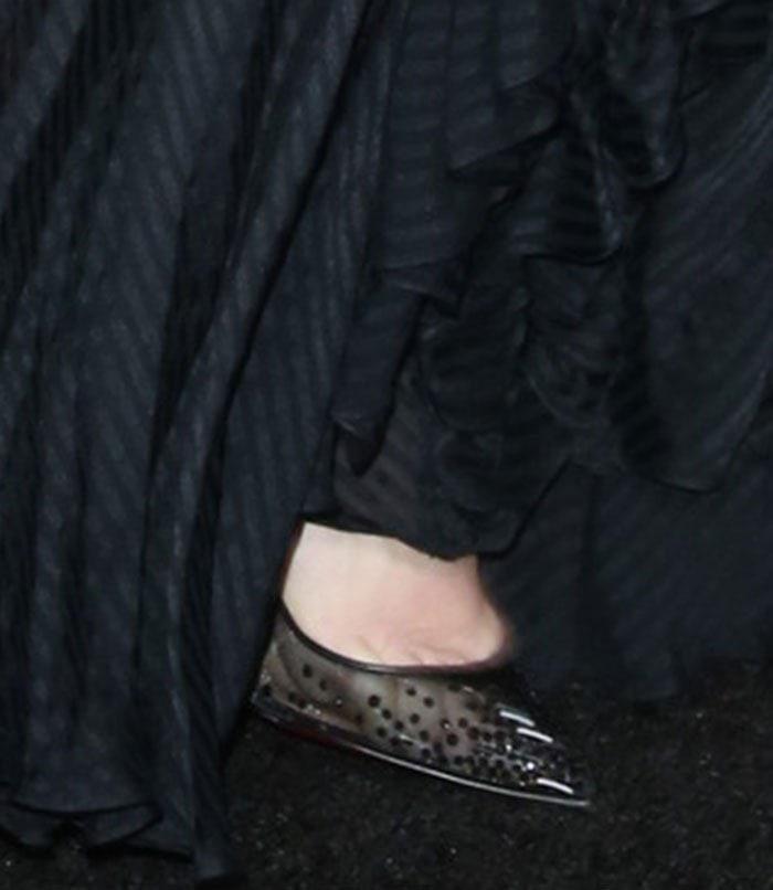 "Demi Moore's feet in black ""Body Strass"" pumps"