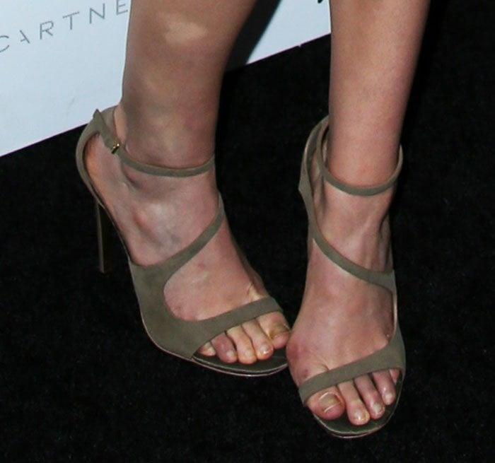 Elizabeth Olsen's feet in Stella McCartney sandals
