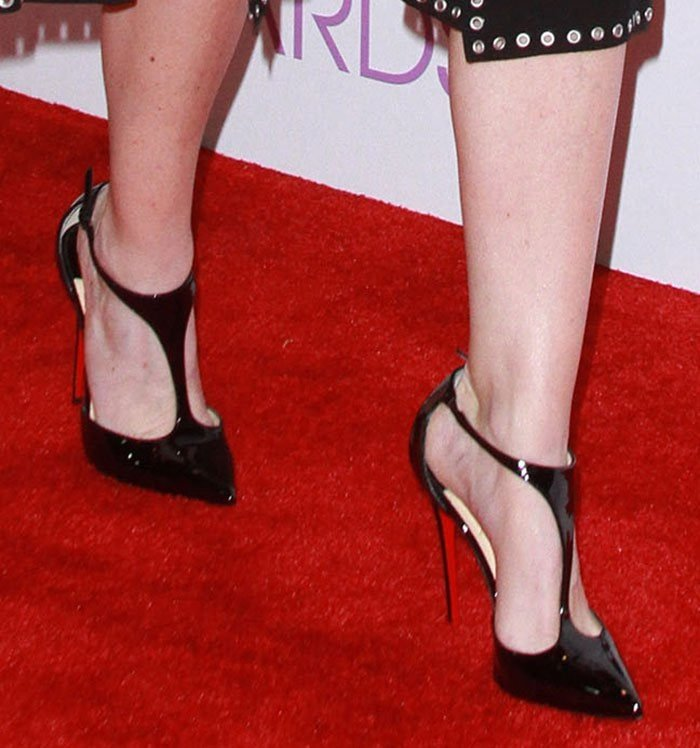 Ellen Pompeo showed off her hot feet on the red carpet