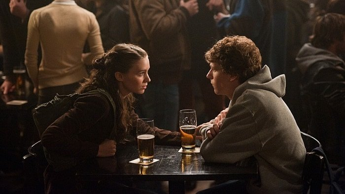 Rooney Mara was 24 and Jesse Eisenberg 26 while filming The Social Network
