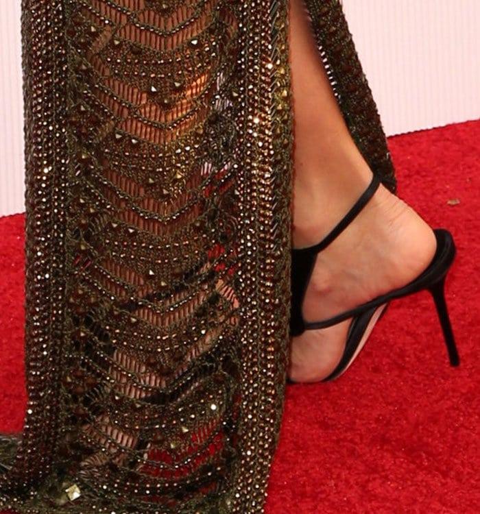 """Eva Longoria's feet in strappy """"La Decouverte"""" sandals"""