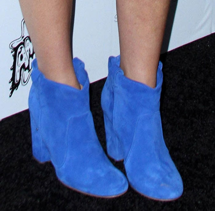 Gwyneth-Paltrow-Laurence-Decade-Goop-Pete-Blue-Suede-Boots