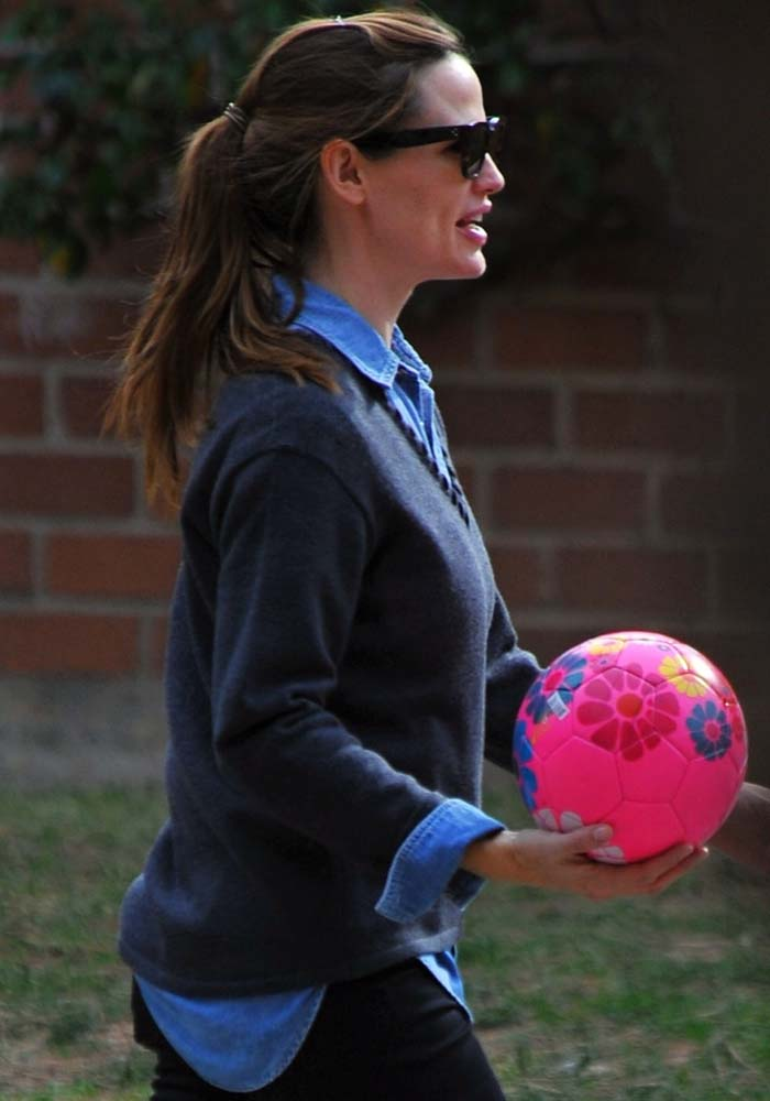 Jennifer Garner wears her hair half-up and half-down while out in Brentwood