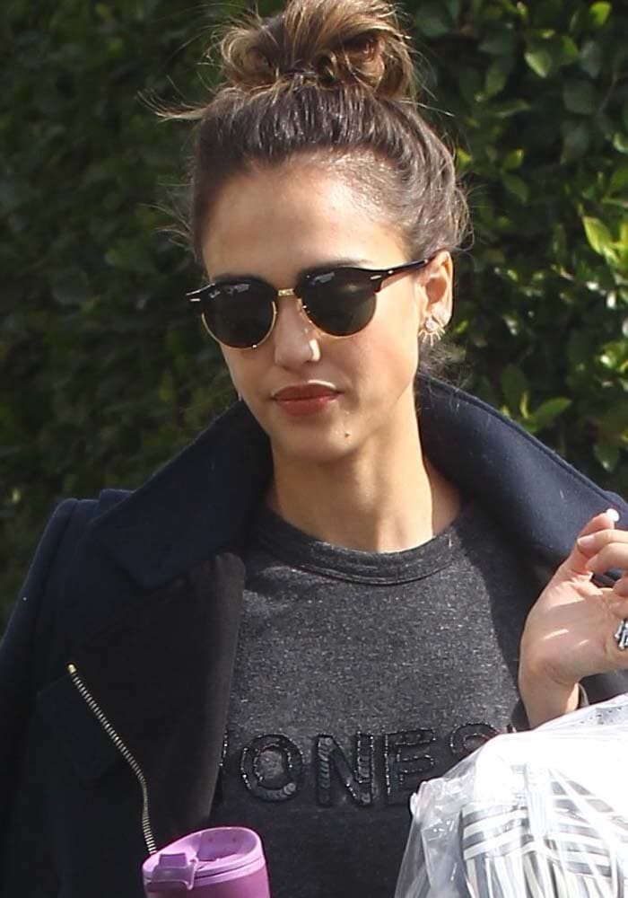 Jessica Alba Shopping Homeware Velcro Sneakers 1