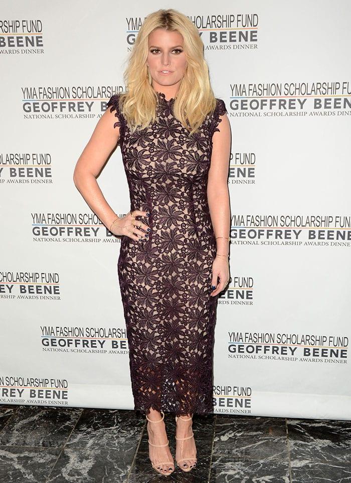 Jessica Simpson wears an ankle-length black Monique Lhuillier gown