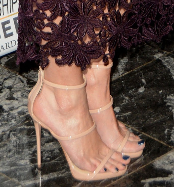 Jessica Simpson displays her feet in nude ankle-strap heels