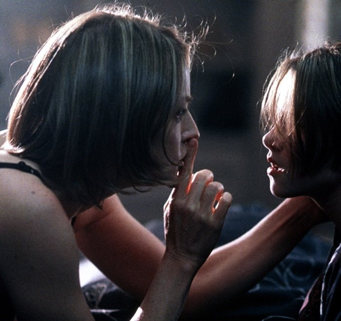 Jodie Foster and Kristen Stewart were 38 and 10 years old when filming Panic Room