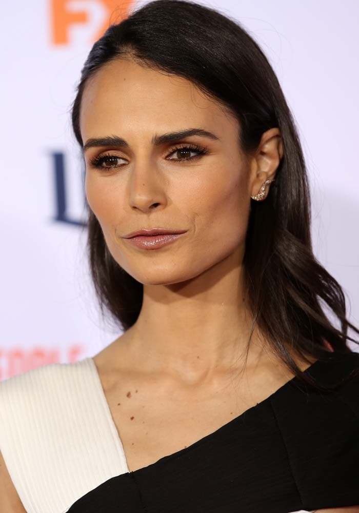 """Jordana Brewster wears her hair down at the premiere of FX's """"American Crime Story - The People V. O.J. Simpson"""""""