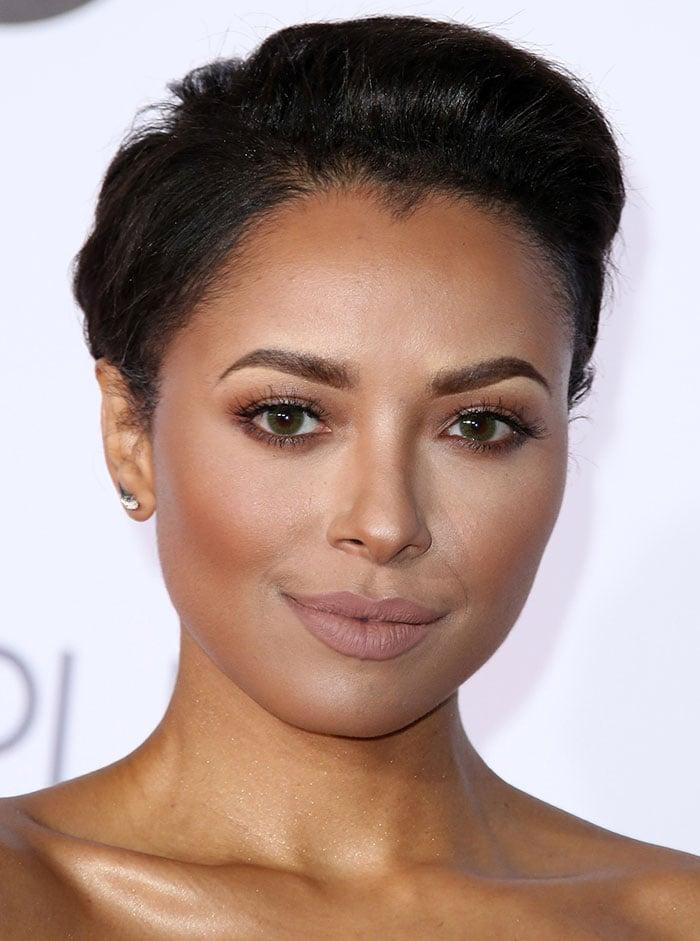Kat-Graham-bronzed-makeup-nude-lipstick