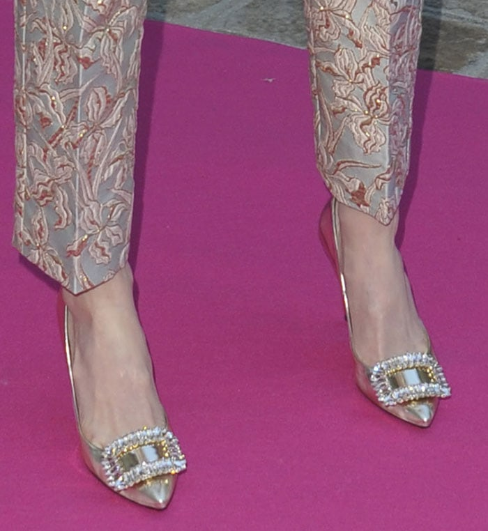 Kate-Bosworth-Roger-Vivier-metallic-pumps-1