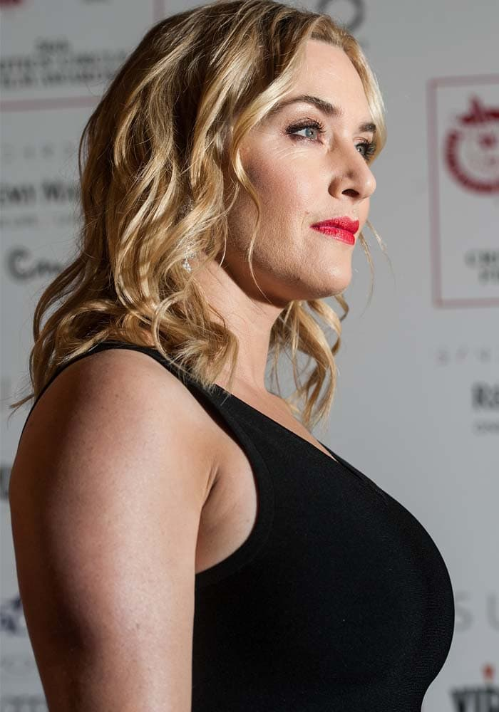 """Kate Winslet, winner of the Supporting Actress of the Year award for """"Steve Jobs"""", at The London Critics' Circle Film Awards"""