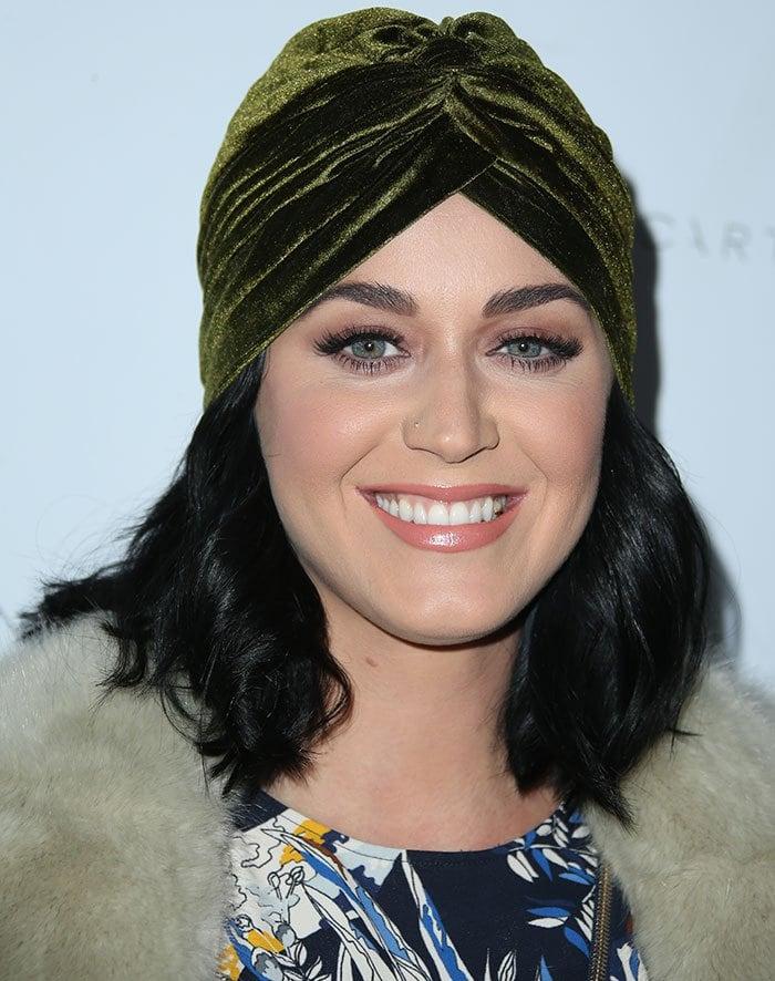 Katy-Perry-turban-flawless-makeup