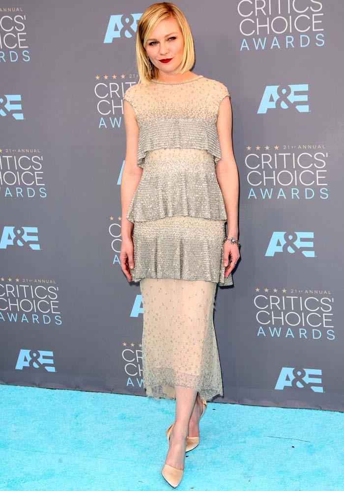 Kirsten Dunst Critics Choice Roger Vivier 4