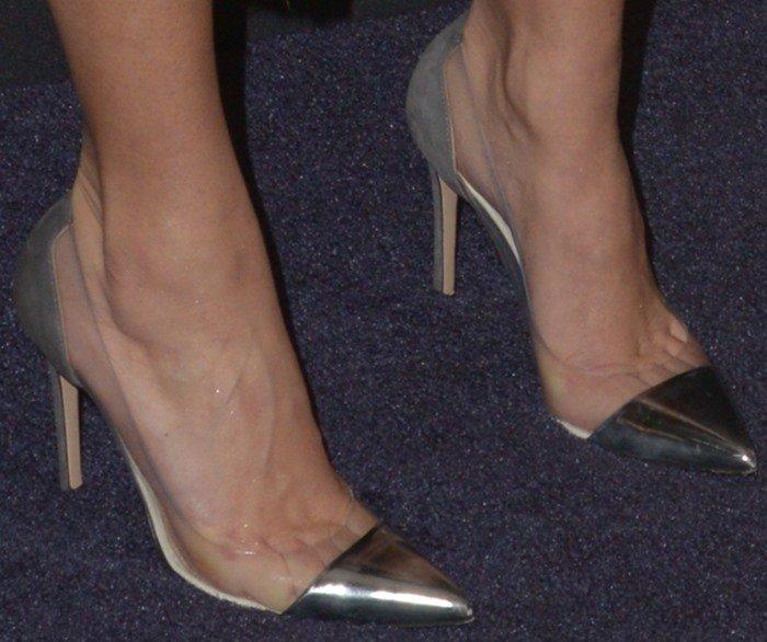 Kourtney Kardashian's feet in Gianvito Rossi pumps