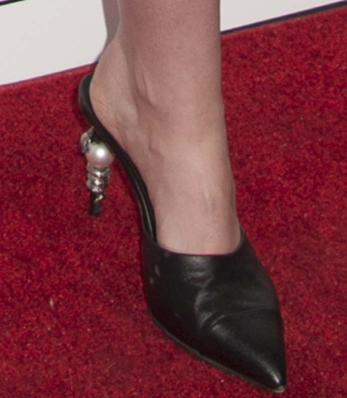 Kristen Stewart's feet in Chanel heels