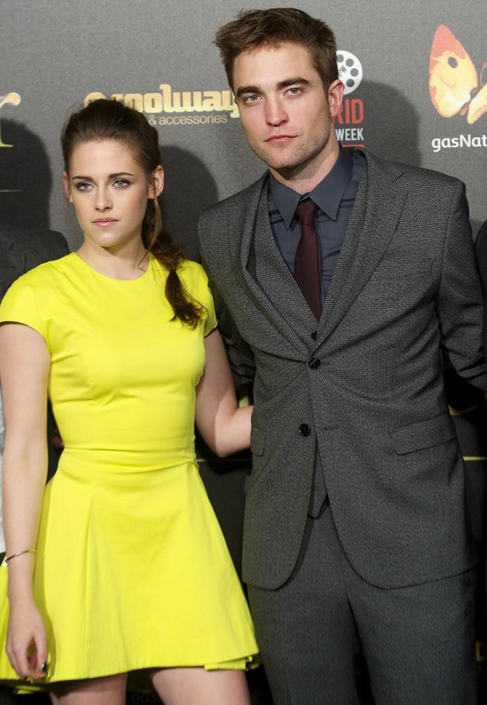 Kristen Stewart and Robert Pattinson promoting The Twilight Saga: Breaking Dawn – Part 2