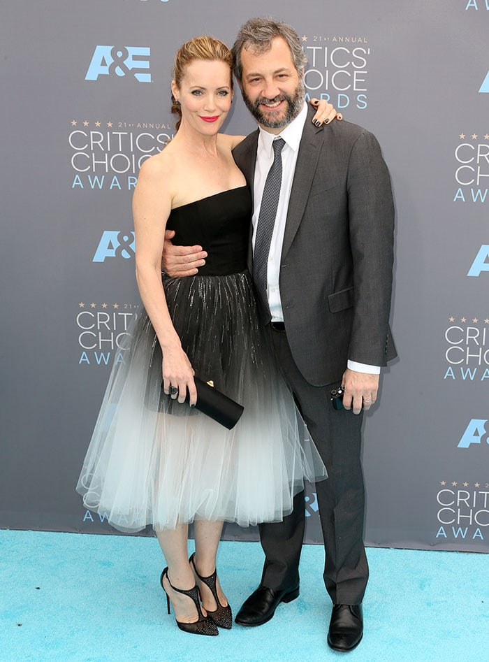 Leslie Mann and husband Judd Apatow pose for photos together at the 21st Annual Critics' Choice Awards