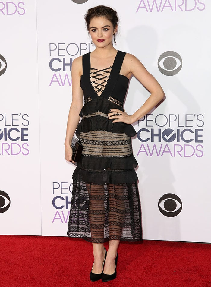 Lucy hale wears a black Self Portrait dress on the red carpet of the People's Choice Awards