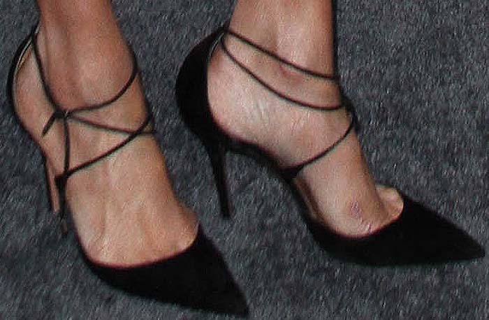 "Meghan Markle showing off her feet inAquazzura ""Matilde"" heels"
