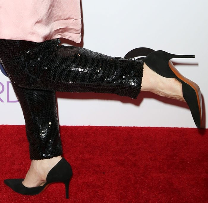 Melissa McCarthy's feet in Celine pumps
