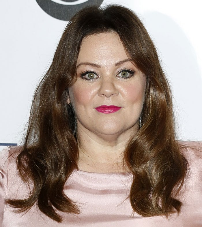 Melissa McCarthy wears her hair down at the 2016 People's Choice Awards