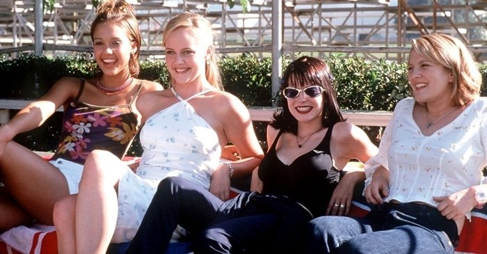 Jessica Alba, Marley Shelton, Jordan Ladd, and Drew Barrymore in Never Been Kissed