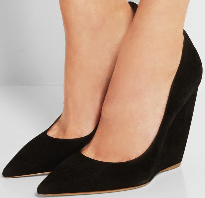 This sophisticated black pair is cut low at the front to elongate your legs and has a cushioned insole for long-lasting comfort