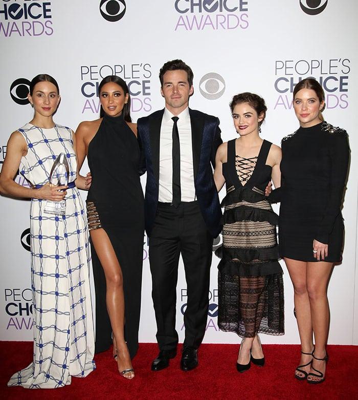 Pretty Little Liars stars Troian Bellisario, Shay Mitchell, Ian Harding, Lucy Hale, and Ashley Benson