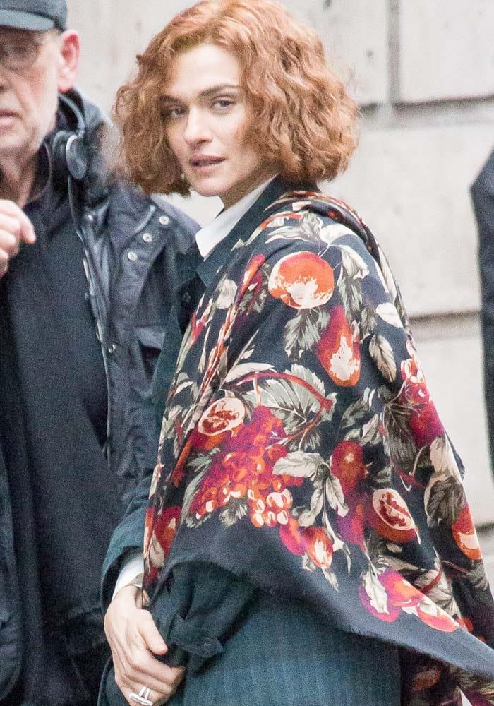 "Rachel Weisz debuts her curly red hair on the set of ""Denial"""