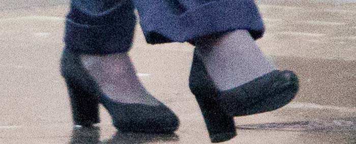 Rachel Weisz's feet in chunky-heeled pumps