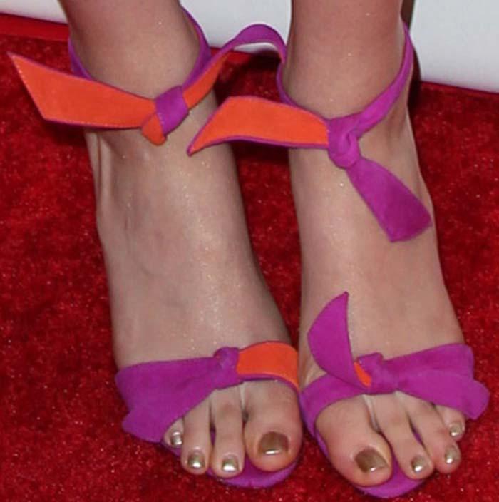 Saoirse Ronan showing off her feet in Alexandre Birman's 'Lolita' bow-embellished sandals