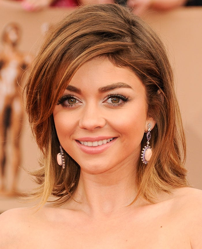 Sarah Hyland accessorizes with Lorraine Schwartz and Ofira jewelry on the red carpet