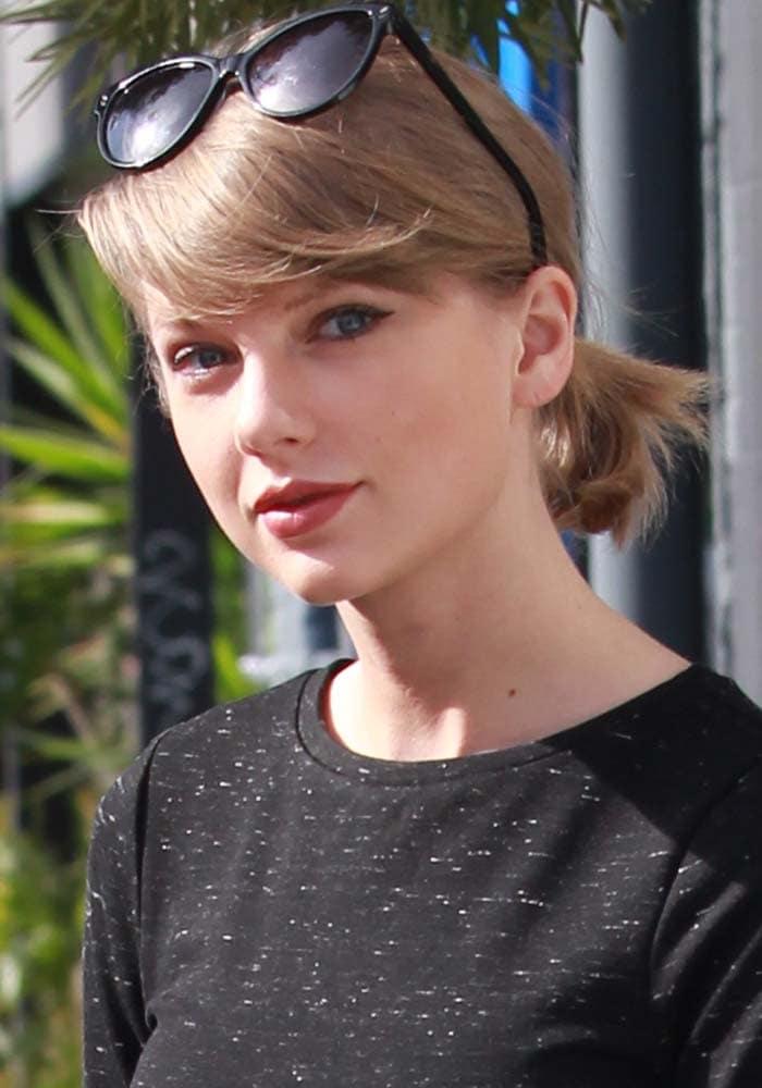 Taylor Swift Shopping Rag Bone 1