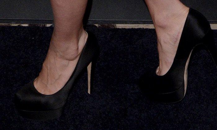 """Brie Larson's feet in """"Maniac"""" pumps"""